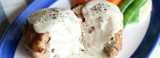 メイン:ゴルゴンゾーラソースで食べるハンバーグ